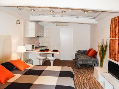 Photo for NAVONA SQUARE  OPEN SPACE - WIFI - AC- GROUND FLOOR  - 3 PERS.
