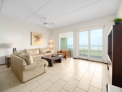 Photo for Luxurious Condo 3 Bedrooms In Peninsula Resort At The Beach