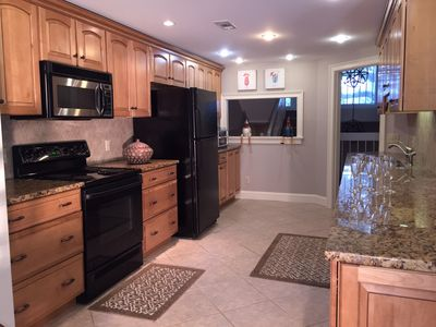 Fully equipped kitchen, including wine chiller