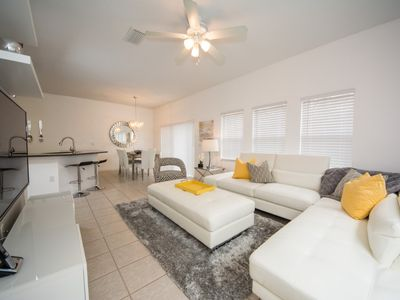 Photo for Townhome With Splash Pool! 20 min To Disney!