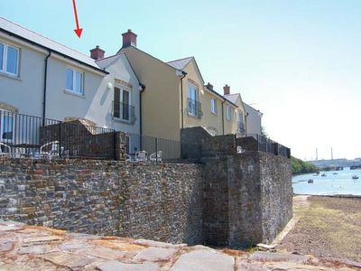 Photo for HERON, pet friendly, with a garden in Milford Haven, Ref 914769