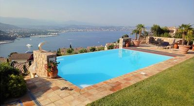 Photo for Villa with beautiful sea view over the bay of Cannes, 5 bedrooms and 4 bathrooms, heated pool, suited for 10 people