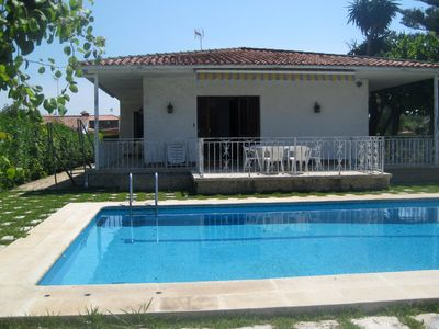 Photo for AT096 BABILONIA: House with a large garden and pool 650 m from the beach
