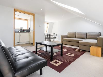 Photo for Lovely 1 bed/bath flat in Fulham!