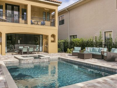 The Lanai Has Plenty Of Seating For Your Family