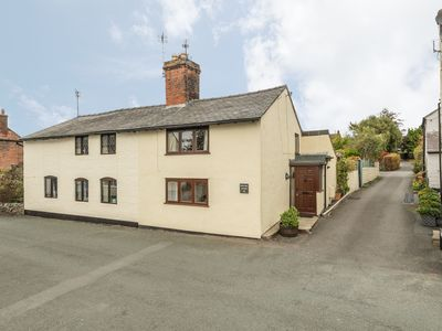 Photo for PEAR TREE COTTAGE, pet friendly in Whittington, Shropshire, Ref 23102