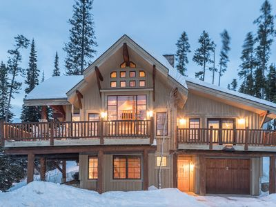 Photo for Ski-in, ski-out, 3 bed + loft home with private hot tub, lodge atmosphere, and sweeping mountain vie