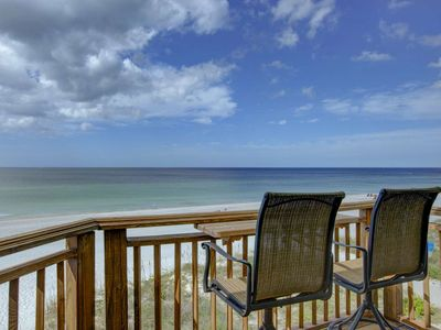 Photo for Enjoy a Romantic Vacation in a Special Condo right on Bradenton Beach for the perfect getaway!