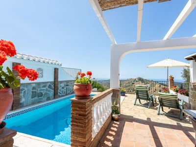 Photo for nice rural villa w/ private pool, terrace & 3 fans!