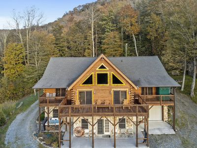 Photo for Sindy's Ranch: Log home across from Sugar MTN. Hot tub, pool table, VIEWS!