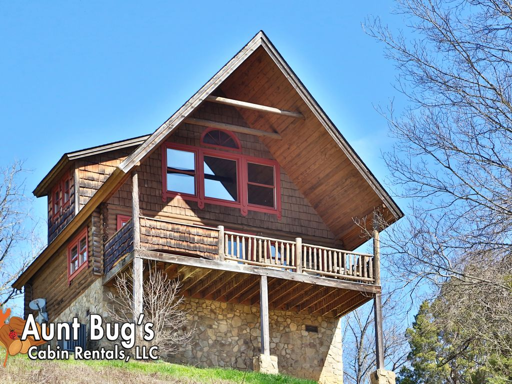 A Slice Of Paradise In A One Bedroom Cabin Near Downtown Pigeon Forge TN Sev