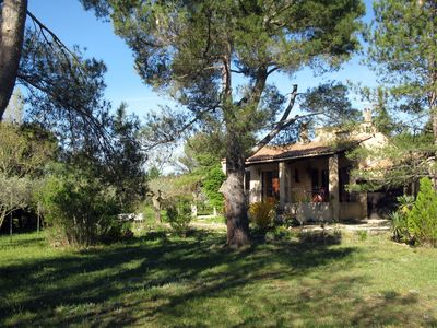 Photo for Quiet house at the foot of the little Luberon