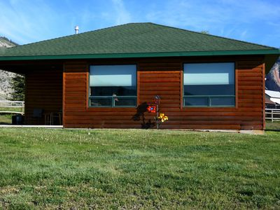 YELLOWSTONE CABIN - THE ELK VIEW CABIN at Yellowstone (River view)