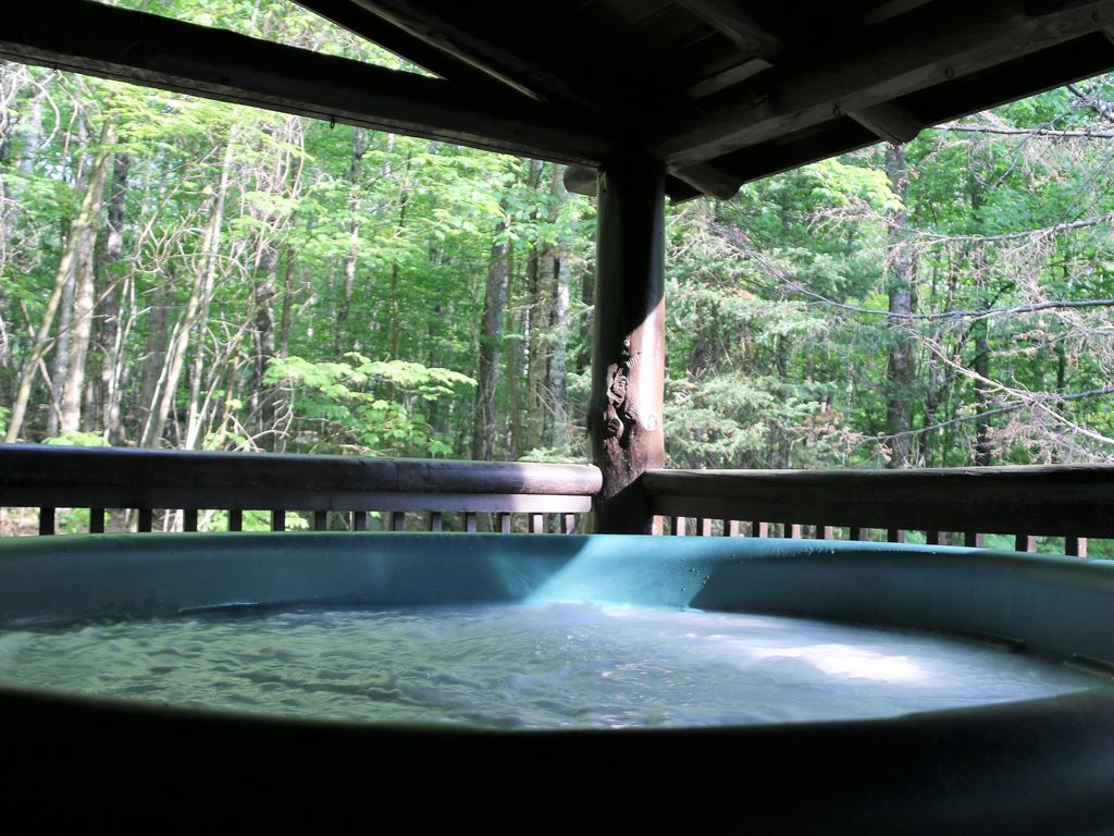 glamping usa mountain cabins summer nh near hampshire getaways romantic forest white collections in hub new national