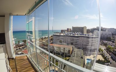 Photo for Stunning beachfront apartment with panoramic views