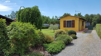 Photo for Holiday home with a large garden and swimming pool in the heart of Tuscany