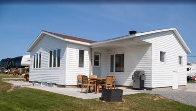 Photo for Domaine Lac St-Mathieu - 6-person Deluxe cabins (cottage)
