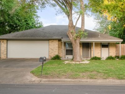 Photo for Round Rock Home Great for Large Families 14 / Weddings / Graduations
