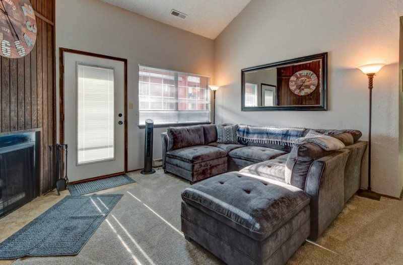 Large Giant Steps Ski In Ski Out Condo Walking Distance