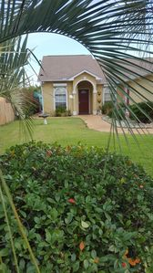 3 bedroom 2 bath Home Private Pool, Pet Friendly