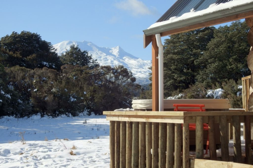 Lahar Alpine Retreat - Hot Tub andamp; Mountain Views