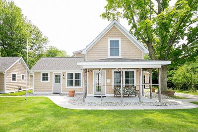 Willow Cottage resort, located on the road that takes you to the beaches in town