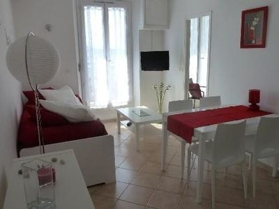 Photo for Apartment T2 - City Centre Bandol - 1st floor - 4 Pers. - Sea and Port