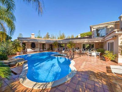 Photo for LUXURY VILLA IN THE MONTE GOLFE AREA OF QUINTA DO LAGO. TABLE TENNIS. HEATED POOL DM13