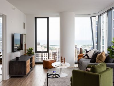 Photo for Domio I South Loop I Stylish 2 BR + Pool and Fitness Center