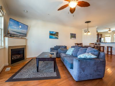 Huge Luxury Alexander Townhouse with an easy walk to the boardwalk and downtown OC!