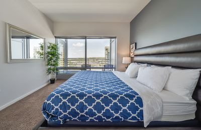 Photo for Downtown Lux 1BD F - One Bedroom Apartment, Sleeps 2