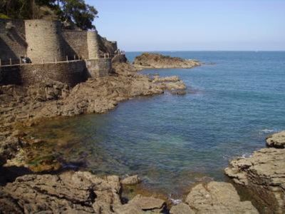 Photo for Country house with garden in front of the ramparts St-Malo, beach at 2 steps