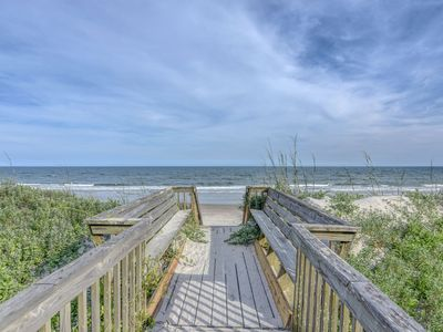 Photo for OCEANFRONT 3 BR+Alcove w Qn Bed, 2.5 BA