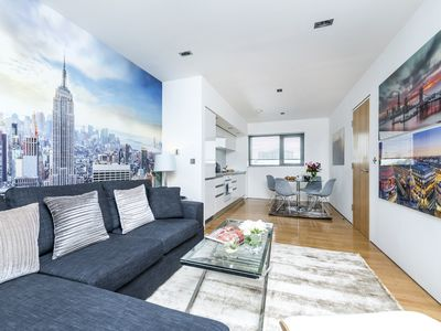 Photo for Stylish 1BR Flat close to Shoreditch