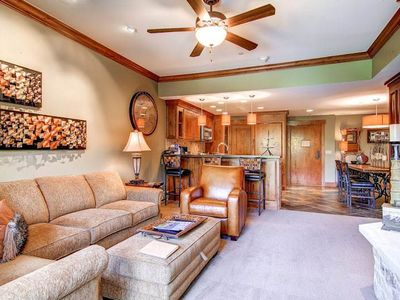 Photo for Lovely family condo w/wood-burning fireplace/shared hot tub & pool - near lifts!
