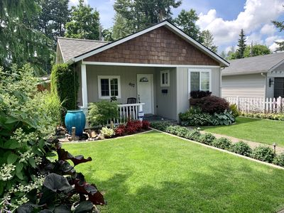 Photo for Downtown escape close to the lake! Cute, clean and updated. Walk to all the fun!
