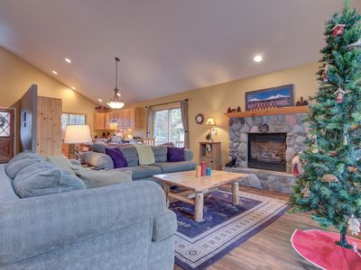 Photo for A serene escape for your group of up to 8 in Sunriver's north end w/a hot tub