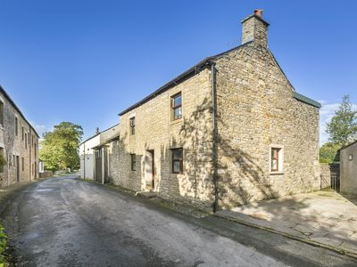 Photo for ELLWOOD HOUSE, pet friendly, with a garden in Caldbeck, Ref 972300