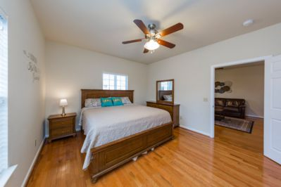 """King Size Bedroom Suite w/ Smart 40"""" TV & privacy keypad; Cable tv included"""