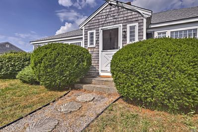 Welcome to your charming Cape Cod area vacation rental cottage!