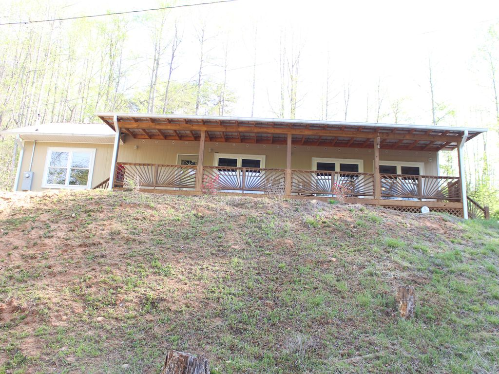 PRIVATE RIVERFRONT 3 bed/2 bath house on th... - VRBO