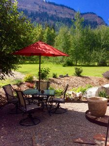 Photo for Perfect location! 2 bedroom mountain cabin. Beautiful views and home. Sleeps 6.