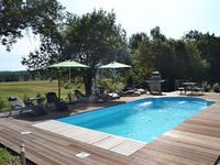 Fabulous property and owner, great location, highly recommend for a chilled, relaxing holiday.