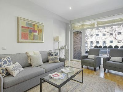 Photo for Bright 2 Bd Apart in front of Retiro Park.  Retiro II