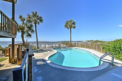 Terrific Beachfront Cedar Key Condo W Pool Spa Views Cedar Key Home Interior And Landscaping Ferensignezvosmurscom