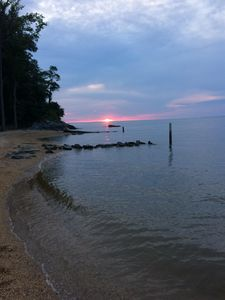 Lake Front/Dock, HotTub, Woods, Kayaks/SUP,  3 Beaches, Fossils, Theater Room