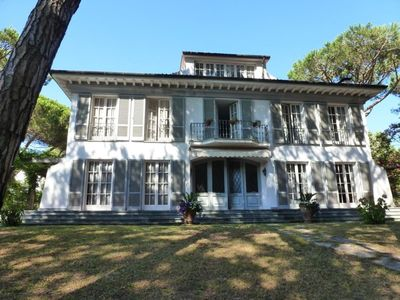 Photo for Villa in Marina Di Massa with 5 bedrooms sleeps 10
