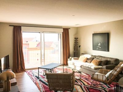 Photo for Charming apartment with sea view in the center with parking