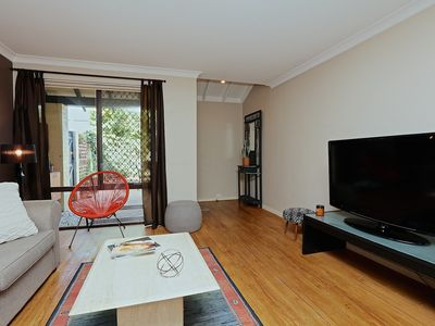 Photo for Gorgeous Family Friendly/Executive Townhouse Unlimited free wifi and netflix