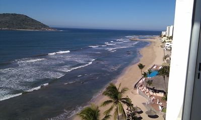 Photo for SPECTACULAR OCEAN VIEWS-Life on the Beach, Golden Zone